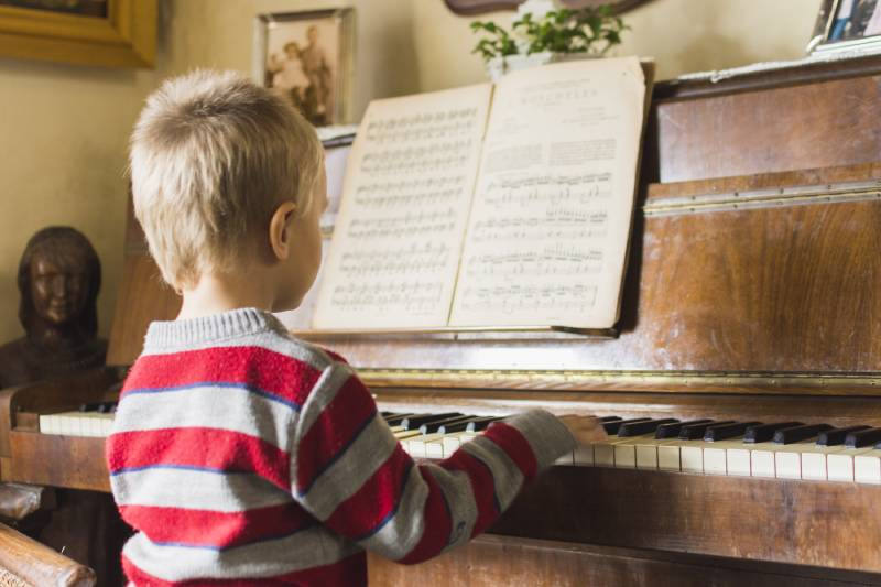 The 5 Best Piano Books for Beginners (Kids)